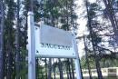L'affiche «Saguenay ville blanche» réapparaît près du cimetière municipal