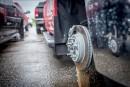 Vols de roues et de pneus: «Ils ont laissé des véhicules sur des blocs de bois»