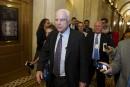 John McCain dit «non» à l'abrogation de l'Obamacare