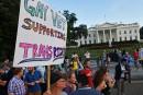 Des militaires transgenres poursuivent Trump en justice