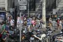 Un assaillant au volant d'une fourgonnette a foncé sur la foule sur la populaire avenue La Rambla, à Barcelone.