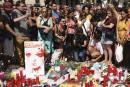 Des gens se sont recueillis à Las Ramblas devant un... | 18 août 2017