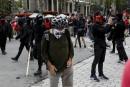 Cagoules et burqas: un parallèle déplorable