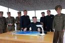 Kim Jong-unpromet d'autres tirs de missiles