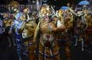 Des Indiens peinturés en tigres prennent part à la danse... | 8 septembre 2017