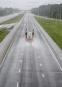 Un camion fait cavalier seul sur une autoroute en direction... | 10 septembre 2017