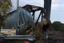 Déraillement à Laval: les wagons retirés de larivière des Mille Îles