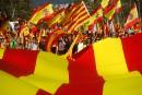 «Pas de république catalane», crie une foule en colère à Barcelone
