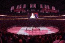 Vue d'ensemble de la patinoire colorée du drapeau canadien lors... | 9 novembre 2017