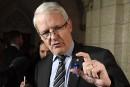 Couteaux à bord d'avions: ce n'est pas «de la petite politique», dit Garneau