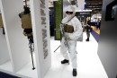 Un mannequin portant une tenue d'hiver et de l'équipement protecteur... | 24 novembre 2017