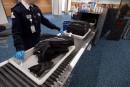 Les agents de bord craignent l'autorisation des petits couteaux en avion