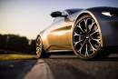Une version mue par un V12 est attendue plus tard.... | 28 novembre 2017