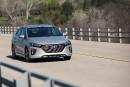 La Hyundai Ioniq hybride enfichable 2018 : la Toyota Prius... | 5 décembre 2017