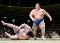 96 lutteurs sumo -Voilà une des charges que vous pourriez... | 13 décembre 2017