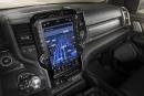 Salon de Détroit : FCA copie Tesla et met un fichu gros écran tactile dans le Ram 1500
