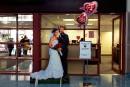 Se marier à Las Vegas juste après le retrait des bagages