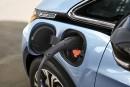 Les ventes d'autos électriques augmentent, mais très lentement
