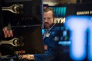 Craignant un bras de fer commercial, Wall Street chute