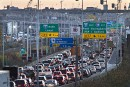GES: Québec renonce au système de redevance-remise pour l'auto