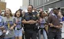 Le chef de police de Houston, Art Acevedo, marche aux...   24 mars 2018