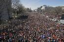 La foule manifestant à Washington s'est rassemblée sur Pennsylvania Avenue....   24 mars 2018