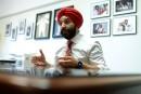 Le turban du ministre Bains provoque un incident diplomatique