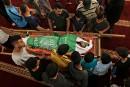 Les Palestiniens marchent au nom du «droit au retour» après une journée meurtrière