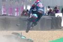 Au MotoGP de France,Jakub Kornfeil surmonte l'obstacle, littéralement