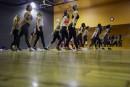 L'équipe de 16 danseuses est tissée serré, car elle ne... | 23 mai 2018