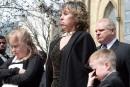 La veuve de Rob Ford poursuit Doug Ford