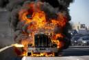 Un camion lourd prend feu sur l'A40 Est