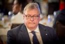 Négociations avec les dentistes: le ministre Barrette ne sera pas écarté