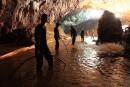 Thaïlande: les enfants bloqués dans la grotte écrivent à leurs parents<strong></strong>