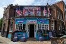 Dans un Londres hostile à Trump, un pub lui déroule le tapis rouge