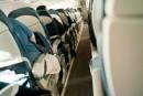 Sièges d'avion:étroits mais pas dangereux, selon un jugement