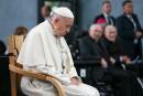 Enfants gais et psychiatrie: le pape est «moyenâgeux», selon Lisée