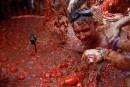Des milliers de personnes prennent part à la traditionnelle «Tomatina»