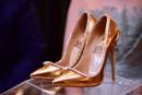 Une paire de chaussures à 17 millions exposée à Dubaï