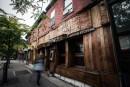 La Ville oblige le restaurant Khyber Pass à démolir safaçade