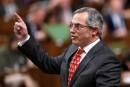 «Allégations sérieuses»: Tony Clement démissionne du caucus conservateur