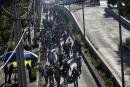 Une partie de la caravane de migrants reprend sa marche