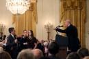 Accréditation retirée: un juge donne raison à CNN contre Trump