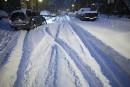 La neige et le vent couvrent le Québec