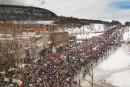 Plusieurs milliers d'élèves ont manifesté à travers le Québec pour le climat