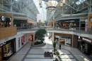 Centres commerciaux: des magasins veulent réduire leurs heures d'ouverture