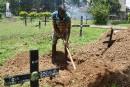 Le croque-mort de Colombo n'arrête pas de creuser