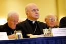Abus sexuels: un ex-prélat critique à nouveau le pape