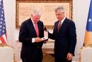 Bill Clinton décoré de la médaille de «l'ordre de la liberté» au Kosovo