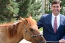 En Mongolie, le chef du Pentagone baptise un cheval Marshall